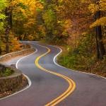 Cum se  conduce pe un drum serpuit?